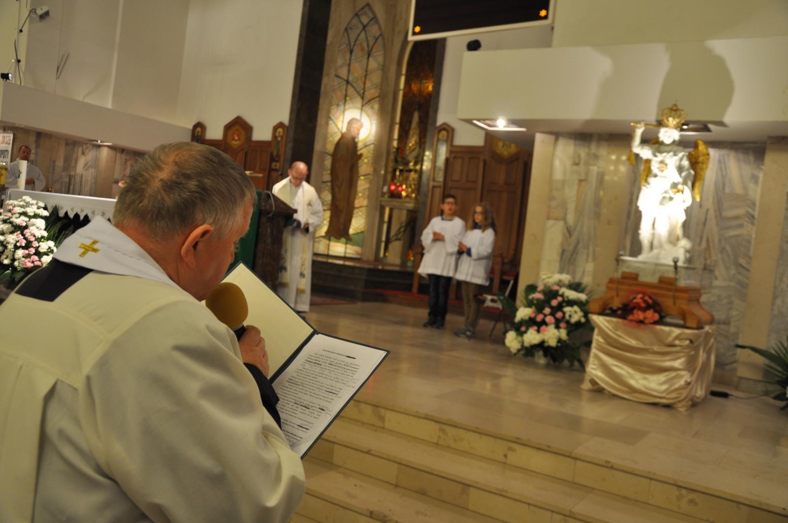 [Foto] Wizyta znaku Figury Św. Michała Archanioła