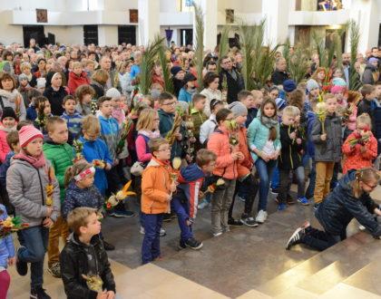 Obchody Niedzieli Palmowej z udziałem Dzieci